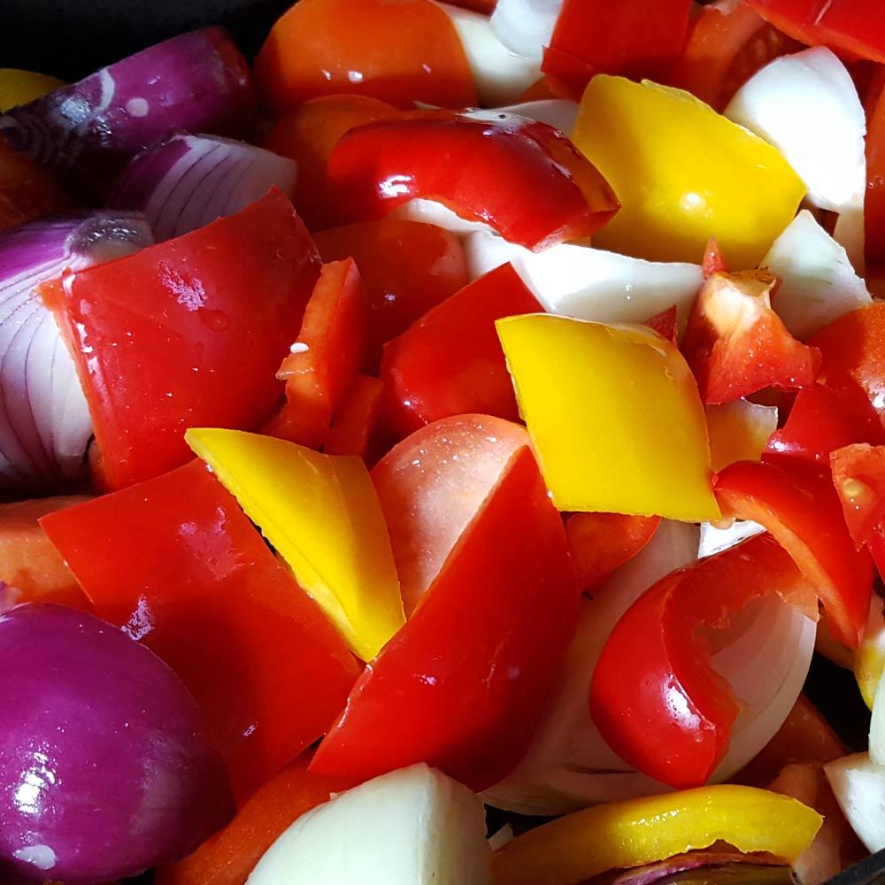bulk cook pasta sauce - the easiest ever pasta sauce to bulk cook for the freezer