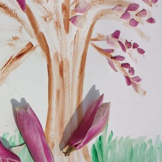 Simple petal paintings through which children can enjoy fallen blossom and explore the structure of flowers and how they are pollinated #painting #flowers #petals #blossom #nature #naturelover #plantscience #STEAM #pollination