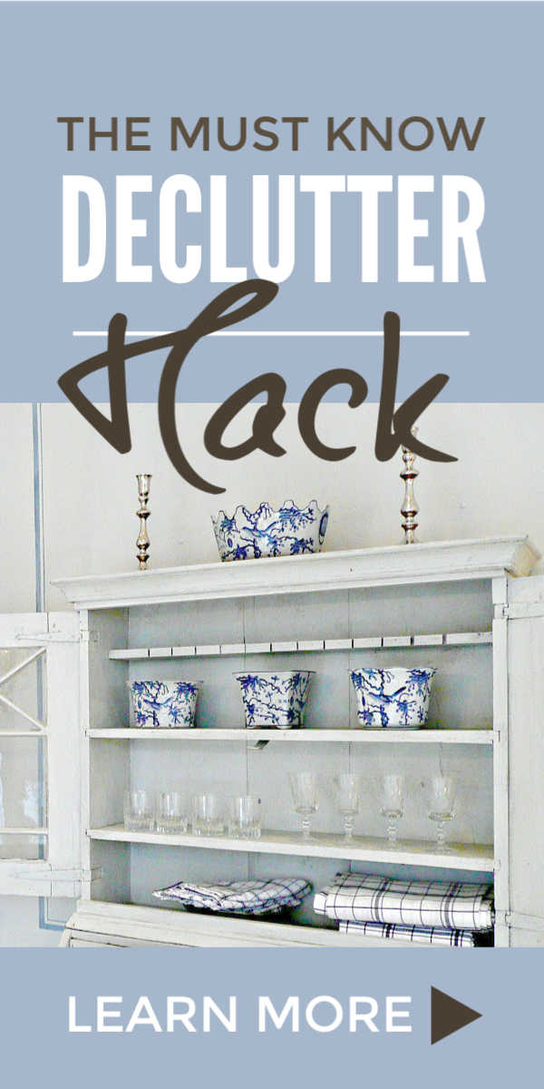 Declutter, simplify and organize your home with this must know declutter tip that will give you a clutter free bedroom, kitchen, closet and more fast. And will help you win the declutter challenge and take the first steps to a more minimalist lifestyle in just 30 minutes a week. It's super easy when you're overwhelmed and you'll love before and after results. #declutter #organize #simplify #minimalist #clutterfree #decluttering