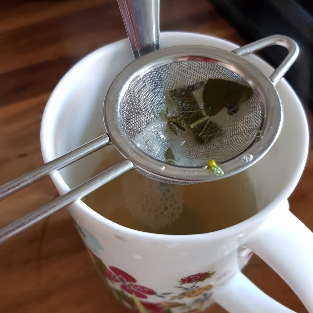 Natural Remedy for Colds and Sore Throats