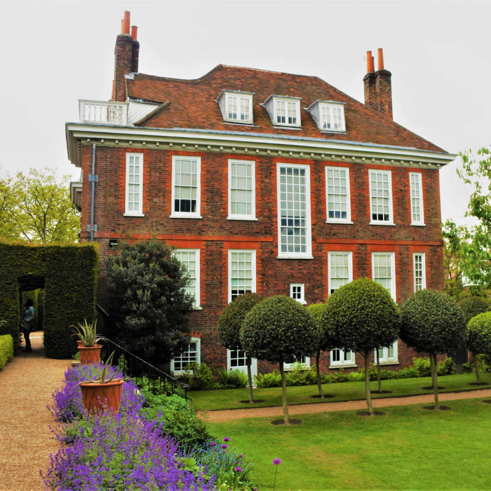Fenton House - Historic House In North London
