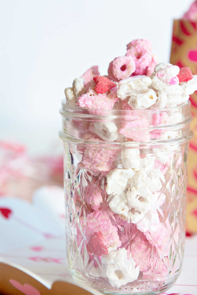 Candy Jars As Cheap Homemade Christmas Gifts